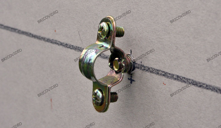 Galerie images du forum plomberie - Collier de fixation plomberie ...