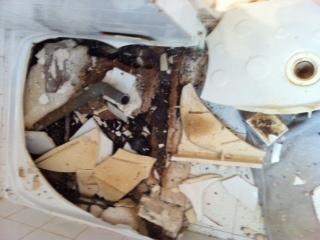 question bricolage plomberie avis des bricoleurs bac douche en gr s explos. Black Bedroom Furniture Sets. Home Design Ideas