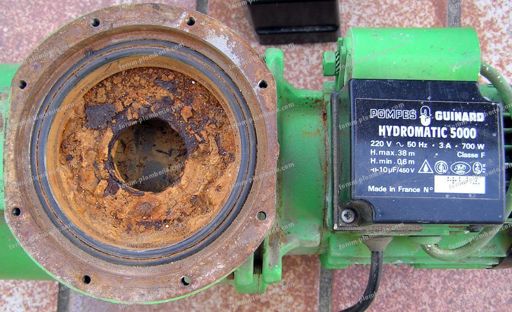 branchement électrique pompe à eau