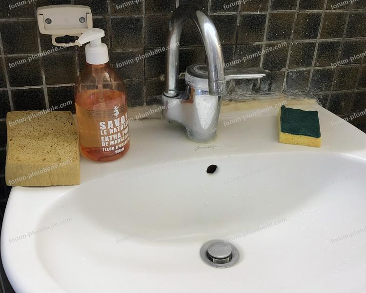 changement mitigeur de lavabo