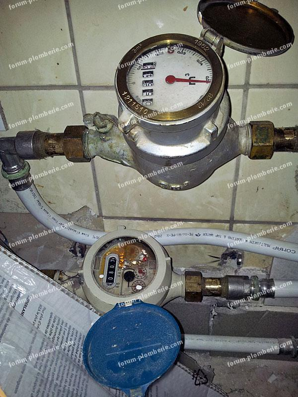 forum plomberie comment reconnaitre le compteur d 39 eau chaude par rapport au froid. Black Bedroom Furniture Sets. Home Design Ideas