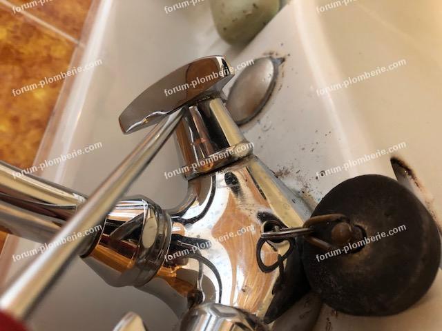 démonter croisillons de robinet