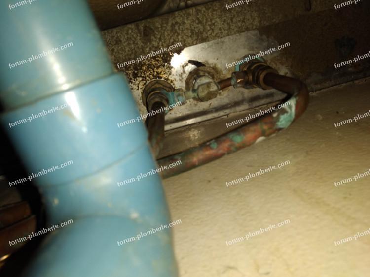 démonter robinet mélangeur 3 trous