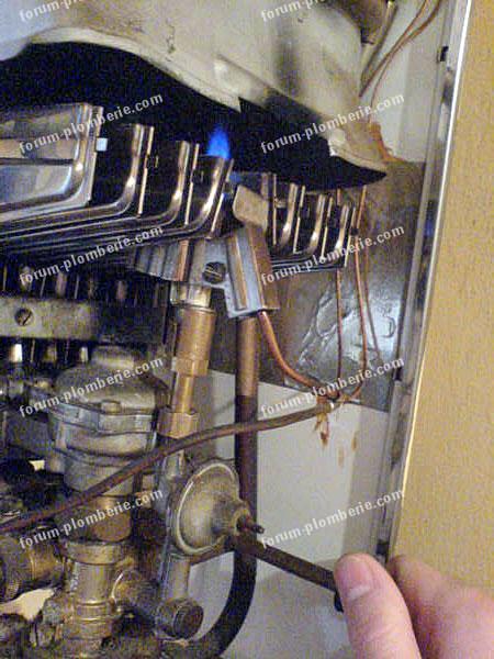 questions plomberie d pannage veilleuse du chauffe eau remplacement thermocouple. Black Bedroom Furniture Sets. Home Design Ideas