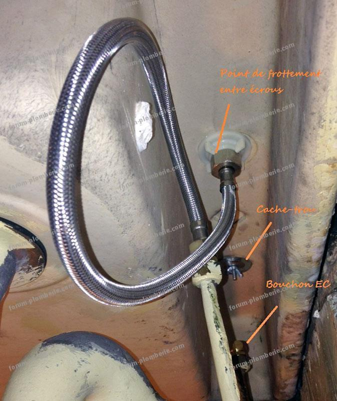 Démontage et remplacement robinet réussie évier vue de dessous