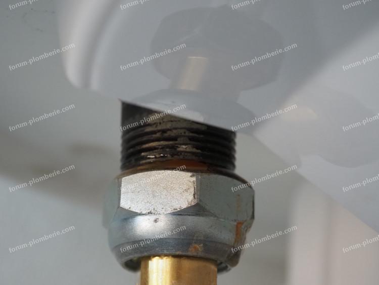 fuite raccord diélectrique chauffe-eau
