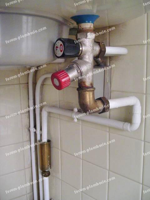 Astuces plomberie d pannage choix mat riaux maison - Groupe de securite chauffe eau qui fuit ...