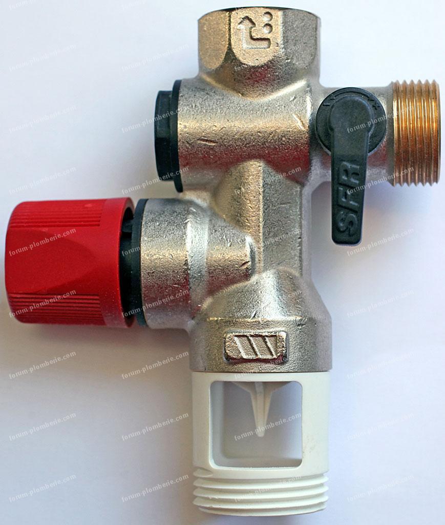 forum plomberie manque de pression eau chaude ballon d 39 eau chaude. Black Bedroom Furniture Sets. Home Design Ideas
