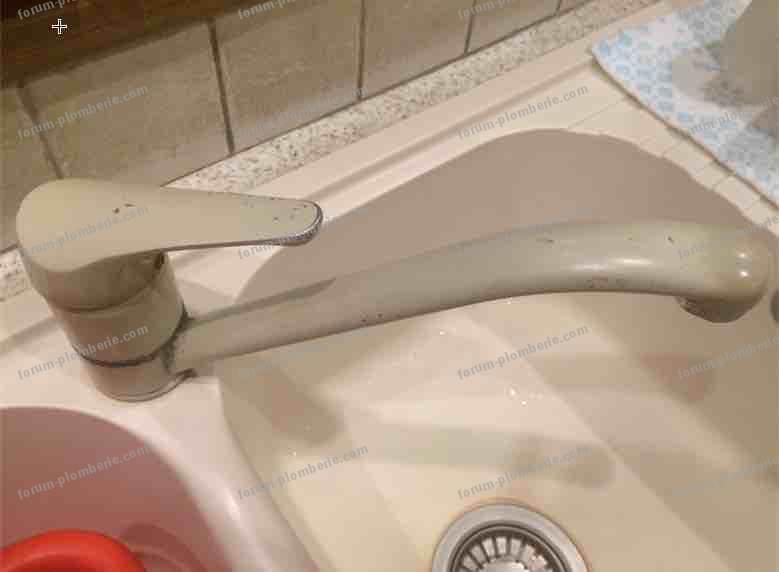 problème démontage mitigeur évier cuisine