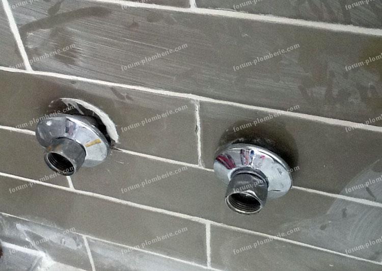 Changer mitigeur douche free location et robinet qui fuit - Comment demonter un mitigeur de douche ...